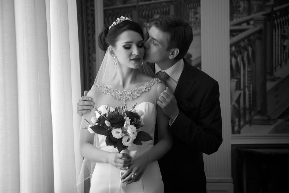 Жених и невеста перед бракосочетанием